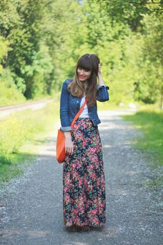 Denim, white, floral, and a great burst of color from that bag!