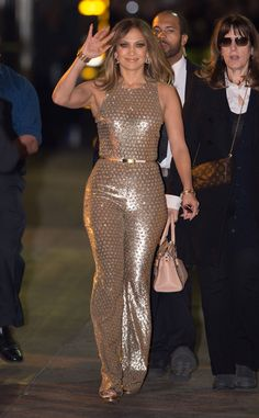 Jennifer Lopez from The Big Picture: Today's Hot Pics  The Shades of Blue star waves outside Jimmy Kimmel Live!'s studios in Hollywood.