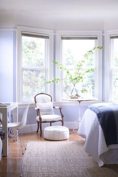 """Sneak Peek: Best of Studio Apartments. """"Caitlin and Eric Flemming's San Francisco studio is high on class, even if it's tight on space."""" #sneakpeek"""