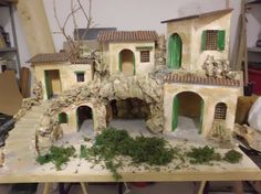 Resultado de imagen para case presepe palestinese Nativity Creche, Christmas Nativity, Nativity Scenes, Christmas Crib Ideas, Christmas Decorations, Toy House, Ceramic Houses, Christmas Villages, Miniature Houses