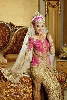 New Bridal Hijab Designs For Your Wedding Day-Muslim Tour Travel Bridal Hijab, Bridal Dresses, Hijab Bride, Model Kebaya Muslim, Muslim Wedding Gown, Wedding Hijab, Hijab Gown, Fairytale Gown, Kebaya Dress