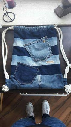 Denim Bags From Jeans, Denim Tote Bags, Denim Bag Patterns, Bag Patterns To Sew, Denim Backpack, Denim Handbags, Denim Ideas, Denim Crafts, Recycled Denim