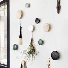 460 - 1000 р   шт    ru.aliexpress.com store product 11-colors-Wood-coat-hooks-Wall-Decorations-wall-hook-Creative-hook-wall-hanger-Wood-thumbtack-hook 1040913_32659984205.html?spm=2114.12010615.0.0.6Et4oF