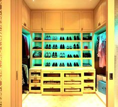 Stuning Walk In Closets Design