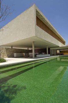 Casa 6, Sao Paulo, Brazil designed by Marcio Kogan