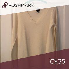 Cream Cashmere Sweater 100% cashmere. Halogen Sweaters V-Necks Cape Scarf, Navy Boyfriend, Wool Cape, Cashmere Sweaters, Plus Fashion, Fashion Tips, Sweaters For Women, V Neck, Cream