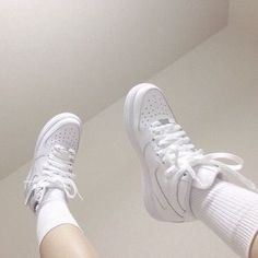 Ideas Eye White Aesthetic For 2019 Artemis, Instagram Cool, Clogs, Socks Outfit, White Aesthetic, Japanese Aesthetic, Aesthetic Pastel, Makeup For Blondes, Brown Makeup