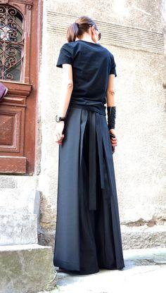 Ik hou van het dragen van die broek of een rok is???  Draag het geplateerde of niet verguld afhankelijk van hoe u verpakt het en wat stemming bent u in ;)  Ze zijn zo comfortabel, elegant, perfect voor lunch, diner, film, theater... partij... zomer, strand... lopen...! Ze stroomde perfect! Het meest belangrijk ze zijn uniek Kijken schattig lage stijgen met mager boven of losse blouse, tuniek of tank top... gewoon een eenvoudige T shirt of hemd! Elastische riem en echt geweldig katoenweefsel…
