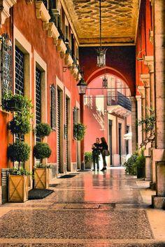 Verona, Italian shopping style