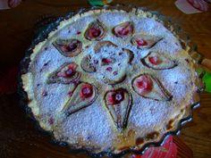 Dragostea in bucate: TARTA CU PERE TZUCURELE SI STRUGUREI Pie, Desserts, Food, Torte, Tailgate Desserts, Cake, Deserts, Fruit Cakes, Essen