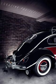 Old VW Beetle, by Lukazink Photography, via doyoulikevintage