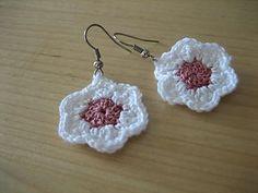FREE PATTERN ~ @ http://www.ravelry.com/patterns/library/little-flower-earrings