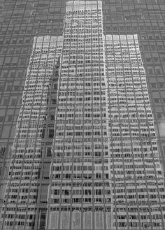 Reflexion Place Ville-Marie Montreal