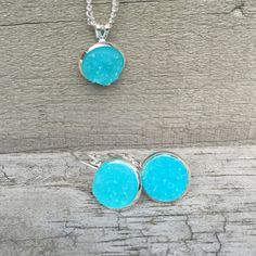 Image of Silver earrings and necklace set
