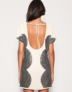 Yet another potential 21st Birthday Dress.  2 things I love: backless and sequens!