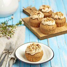 Valnötter och kaffe i cupcakes är en perfekt kombination.
