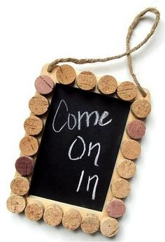cork and chalk board found on ETSY Wine Craft, Wine Cork Crafts, Wine Bottle Crafts, Wine Cork Projects, Craft Projects, Projects To Try, Diy Cork, Wine Cork Art, Wine Bottle Corks