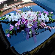 composition florale voiture mariage recherche google - Fleurs Capot De Voiture Mariage