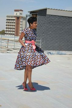 You can tell how beautiful an African lady is by seeing her dressed in her beautiful Ankara gown - Check out these beautiful ankara gown styles of 2018 African Dresses For Women, African Print Dresses, African Attire, African Wear, African Women, African Prints, African Fashion Ankara, Ghanaian Fashion, African Print Fashion