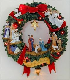 Nativity sets to welcome the savior. Christmas Nativity Set, Decoration Christmas, Christmas Door, Christmas Holidays, Christmas Ornaments, Christmas Projects, Holiday Crafts, Illumination Noel, Holiday Wreaths