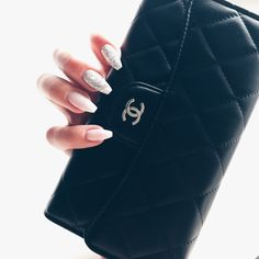 FRENCH OMBRÉ – Englas Showroom Gucci Handbags, Fashion Handbags, Designer Handbags, Me Bag, Nail Art Pictures, Paws And Claws, Material Girls, Vintage Leather, Handbag Accessories