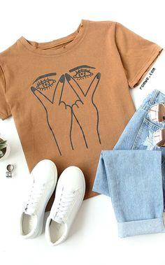 09225377f5eb Eye Print Ripped T-shirt Fall Outfits