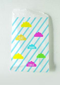 Free printable graphics to make lunch bags.