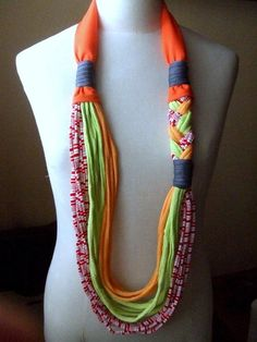 Necklace BRAIDED tshirt yarn recycled yarn por southstreet