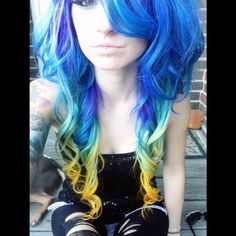 Not the biggest fan of crazy hair colors, but I think the colors fading into one. - Not the biggest fan of crazy hair colors, but I think the colors fading into one another looks cool - Goth Hair, Emo Hair, Emo Scene Hair, Cool Hair Color, Hair Colors, Alternative Hair, Dreadlocks, Dye My Hair, Funky Hairstyles