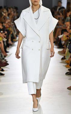 Get inspired and discover Max Mara trunkshow! Shop the latest Max Mara collection at Moda Operandi. Abaya Fashion, Suit Fashion, Kimono Fashion, Fashion 2020, Runway Fashion, Fashion Outfits, Street Fashion, Minimal Dress, Iranian Women Fashion