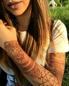 Beautiful day ❤ #henna #hennatattoo #design #CiuliaHennaArt #tattoo #mehndi #art #sleeve #girl #lips #matte #lipstick #staymatte #arm #hair #sunnyday #summer #love #2016 #tattoogirl #me #beautiful #byme #inspiration