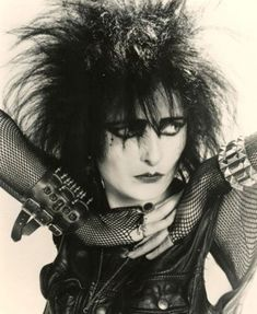 "Siouxsie Sioux - ""What Everybody Should Know About Alternative Fashion"" - A history of the main subcultures from the 50s to our days, and all the alternative clothing styles that stemmed from them. From mods to punk, teddy boys, rockabilly, skinheads, hippies and grunge, a comprehensive guide to subcultures and alternative fashion."