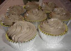 Κεκάκια με φανταστικό frosting μπισκότου! Frosting, Brownies, Muffins, Deserts, Cupcakes, Tasty, Sweets, Recipes, Food