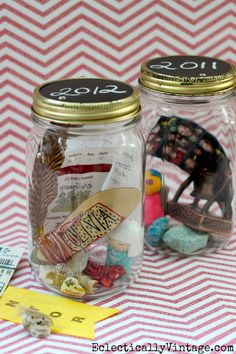 DIY Memory Jar - perfect for displaying special treasures!  eclecticallyvintage.com