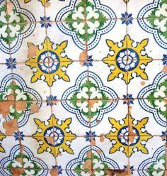 Resultados da Pesquisa de imagens do Google para http://theurbanearth.files.wordpress.com/2011/01/santarem-detalhe.jpg%3Fw%3D450%26h%3D474