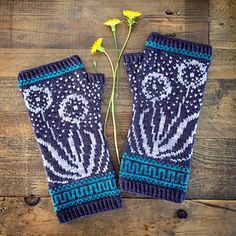 Inspired by an Island in Shetland, Fair Isle Knitting uses multiple colors of yarn in the same row. Try your hand at it with these Fair Isle patterns! Fair Isle Knitting Patterns, Fair Isle Pattern, Knitting Designs, Knitting Projects, Crochet Patterns, Knitting Tutorials, Stitch Patterns, Mittens Pattern, Knit Mittens