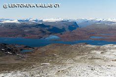 Näkymä Enontekiöltä Norjan vuoristoon Ilmakuva: Lentokuva Vallas Oy