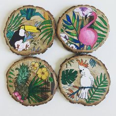 ideas for painting diy pineapple Wood Slice Crafts, Wood Crafts, Painted Rocks, Hand Painted, Wood Ornaments, Wooden Art, Wood Slices, Painting On Wood, Woodworking Crafts