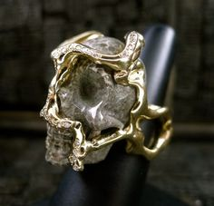 Lucifer Vir Honestus 18K Yellow Gold, Diamond, and Carved Agate Skull Ring