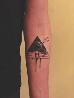 pink floyd tattoo wish you were here . pink floyd tattoo dark side of the moon . pink floyd tattoo the wall . Awful Tattoos, Bad Tattoos, Music Tattoos, Sleeve Tattoos, Cool Tattoos, Tattos, Best Tattoos For Women, Small Tattoos For Guys, Tattoo Life