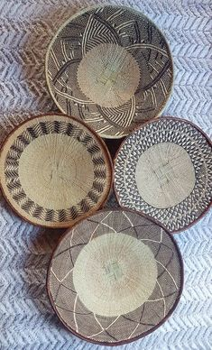 Set of 4 Beautiful Handmade Binga/Tonga Basket. African Wall Basket Dog spaces in house Dream house ideas Boho Chic Living Room, Decor Home Living Room, Home Decor Kitchen, Room Kitchen, Baskets On Wall, Wall Basket, Tonga, Office Wall Art, Living Room Pictures