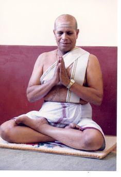 Ashtanga Yoga Paris: Sri K. Pattabhi Jois ~ Guru of Ashtanga Yoga Ashtanga Yoga, Vinyasa Yoga, Yoga History, Yoga Information, Yoga Poses Names, Yoga Youtube, Yoga Books, Yoga Equipment, Yoga Day