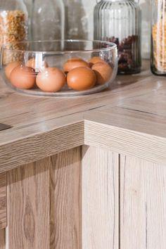 kuchyňa:Dona vyhotovenie: San Remo Sand / Iris Alabaster vysoký lesk / Vanilka