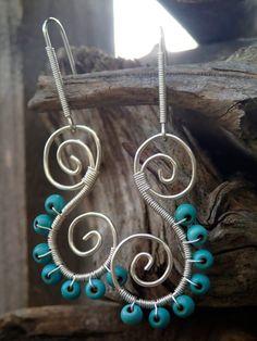 Spiral Silberdraht Ohrringe mit türkis von LaSolis auf Etsy Turquoise Beads, Diy Earrings, Spiral, Washer Necklace, Boho, Silver, Accessories, Etsy, Jewelry