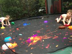 CAUTION! Twins at play!: bubbles and colors - Paint on a trampoline - awesome!