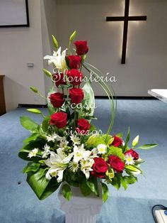 Fall Flower Arrangements For Church Altars - Flowers Healthy Arrangements Funéraires, Easter Flower Arrangements, Funeral Flower Arrangements, Beautiful Flower Arrangements, Funeral Flowers, Beautiful Flowers, Deco Floral, Arte Floral, Altar Flowers