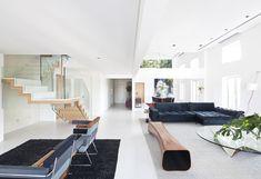 Apartamento de três andares tem jardins verticais por todos os lados - projeto Casa 14 Arquitetura