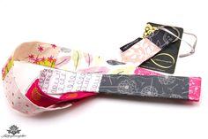 Buntes Patchwork Schlüsselband Blätter Federn Blumenmuster Farbe pink grau weiss - aus der Lieblingsmanufaktur