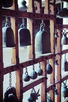This interesting and fun display is a collection of Temple Bells, elephant… New Years Eve Traditions, Temple Bells, Asian Artwork, Ring My Bell, Garden Yard Ideas, Interior Exterior, Bohemian Decor, Feng Shui, Wind Chimes