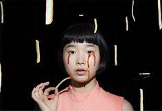 IZUMI MIYAZAKI Eine japanische Fotografin untergräbt Stereotype mit Witz und Wahnsinn | VICE…